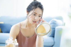 ニキビ肌は体質の遺伝?理不尽…原因と対処方法7個
