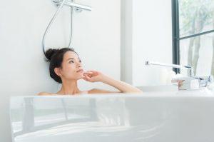 半身浴でニキビが増えた?美肌になるお風呂の入浴方法