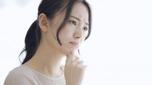 眉間の横ジワを消すには?原因と改善方法6個