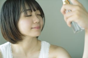 化粧水のつけすぎはよくない?テカる?逆効果?適切な付け方