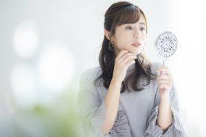 化粧の粉吹きの原因と対策!口周りや鼻が乾燥…応急処置は?